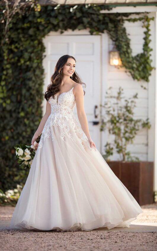Designer Dresses Vocelles The Bridal Shoppe,Wedding Dresses For Men And Women In India